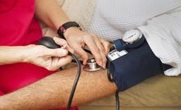 Promoviendo el automanejo de personas con enfermedades crónicas. Herramientas para equipos de salud y pacientes